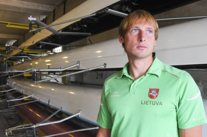 Trys lietuviai tapo universiados irklavimo regatos čempionais!