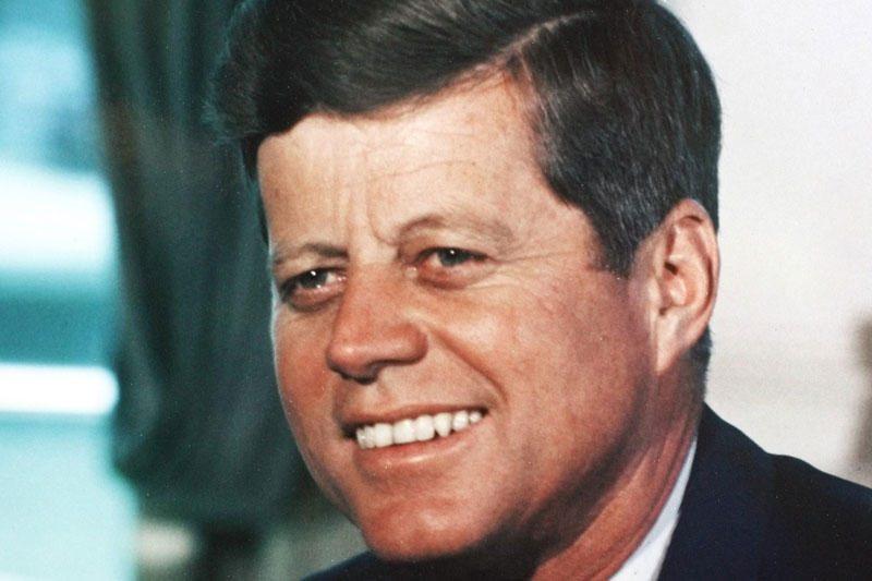 Buvusi Baltųjų rūmų stažuotoja papasakojo apie ryšius su J.F.Kennedy