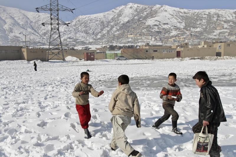 Afganistane gausiai iškritęs sniegas ir lavinos nusinešė 28 gyvybes