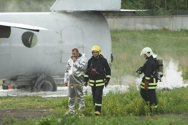 """Vilniaus oro uoste leisdamasis """"užsidegė"""" lėktuvas"""