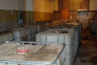 Pareigūnai sostinės bendrovės patalpose aptiko 4 tūkst. litrų dyzelino