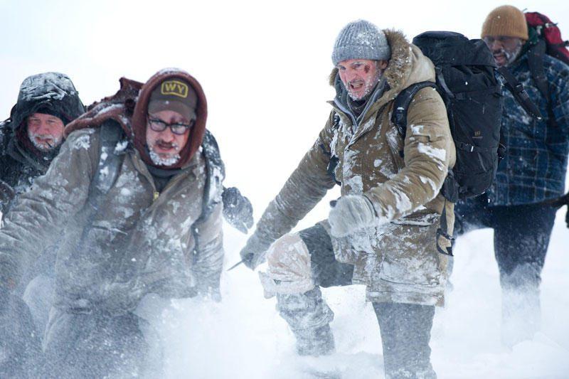 """JAV kino teatruose siautėjo """"Sniegynų įkaitai"""""""