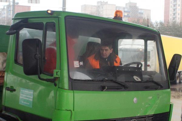 """""""Naujamiesčio būsto"""" sunkvežimis taranavo RST automobilį"""