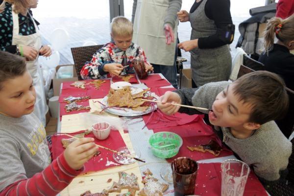 Vilniečių puošti meduoliai – vaikų namų auklėtiniams