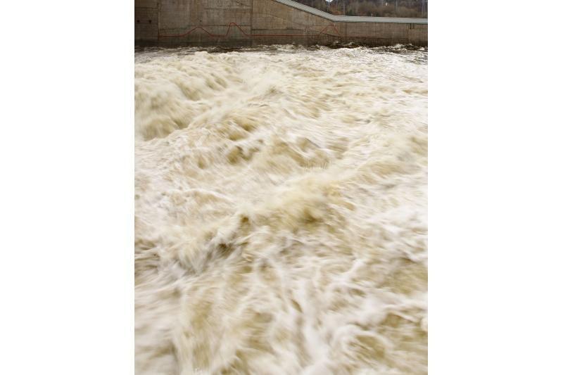 Kauno hidroelektrinė dirba visu pajėgumu: teko nuleisti marių vandenį
