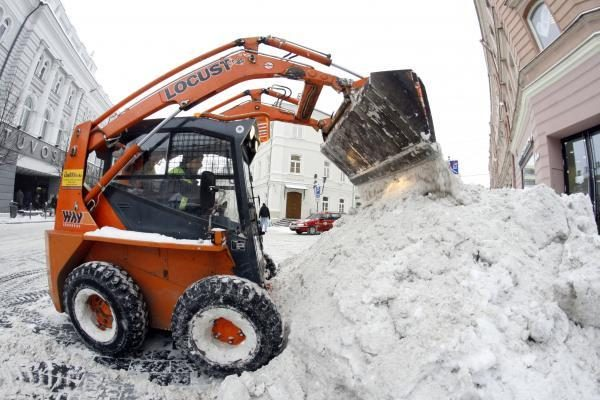 Sniego valytojai džiaugiasi darbymečiu