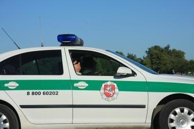 Šiauliuose nubausti viešoje vietoje miegoję policininkai