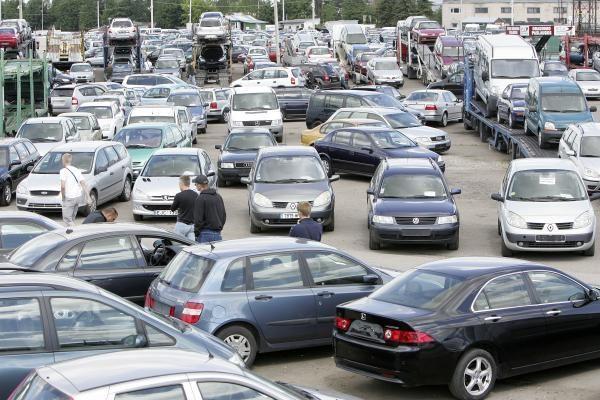 Rugpjūtį naujų automobilių rinka išaugo penktadaliu