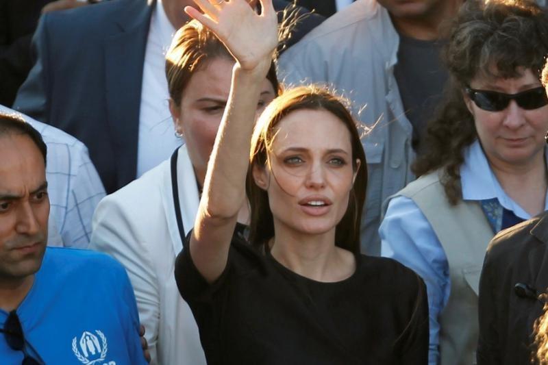Angelina Jolie lanko Sirijos pabėgėlius Turkijoje