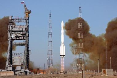Kurs raketą astronautams į kosmosą skraidinti