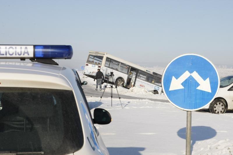 Klaipėdos rajone - ką tik suremontuoto autobuso avarija