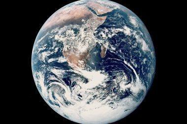 Trečdalis rusų mano, kad Saulė sukasi aplink Žemę