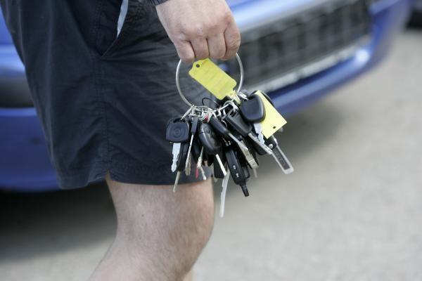 Naudoti automobiliai Lietuvoje kelia rimtą pavojų