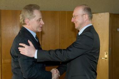 60-metį švenčiantį Viktorą Malinauską pasveikino Seimo Pirmininkas