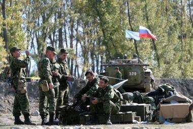 Rusija pasirengusi tartis su NATO dėl karinio tranzito į Afganistaną