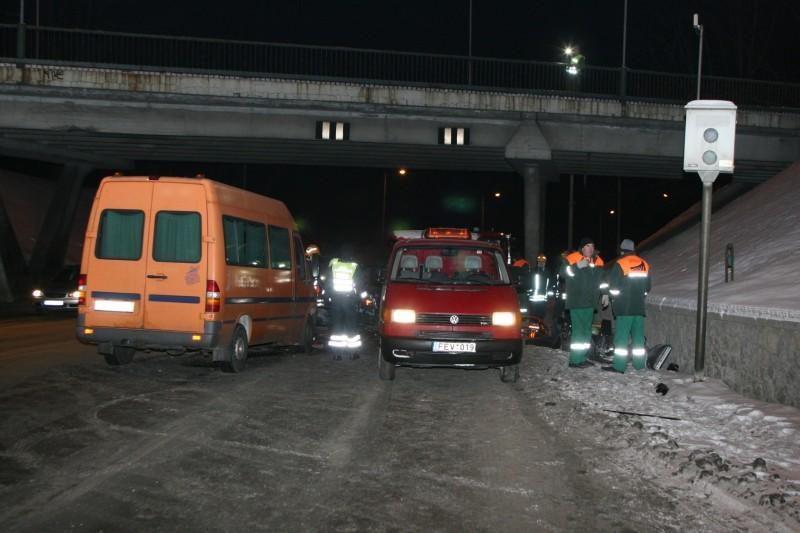 Vilniuje susidūrė keturi automobiliai, žuvo vairuotojas