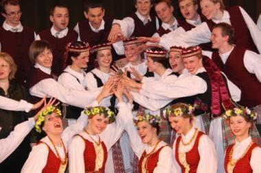 Vilniaus universiteto ansamblis kviečia į koncertą 70-mečio proga