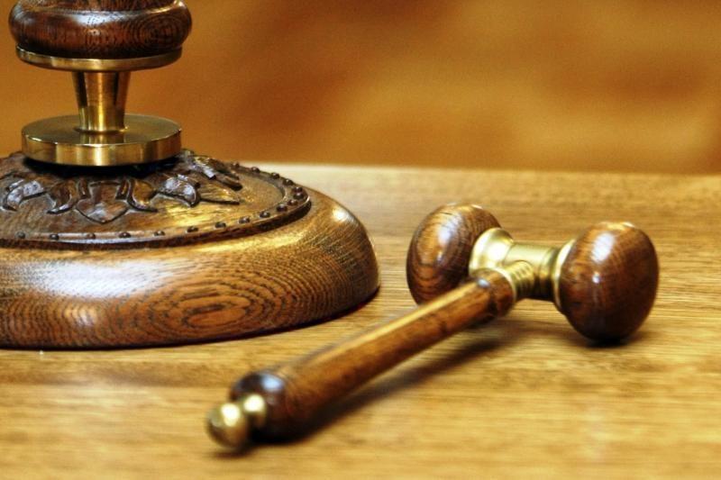 Teismas nagrinėja už smurtą nuteisto eksprokuroro bylą