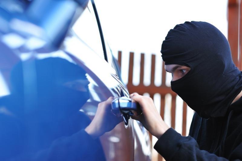Kaune pavogti du automobiliai, padaryta žala siekia 42 tūkst. litų