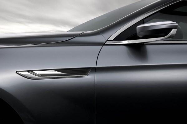 BMW Paryžiuje - nauja kupė karta