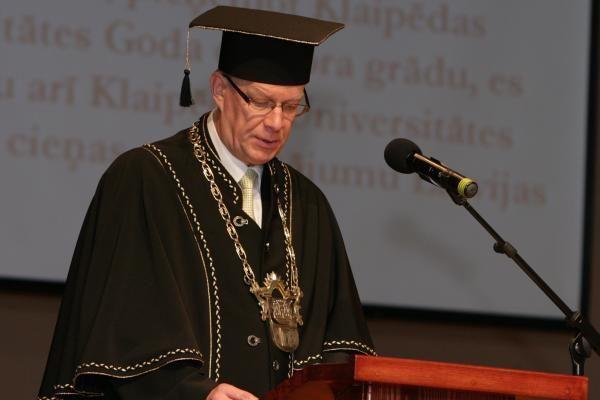 Latvijos prezidentas - KU garbės daktaras