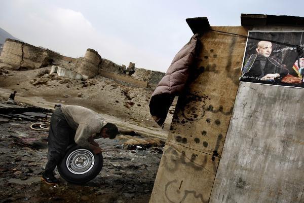 H.Karzai paskelbtas Afganistano prezidentu