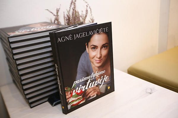 A.Jagelavičiūtė pristatė kulinarijos knygą