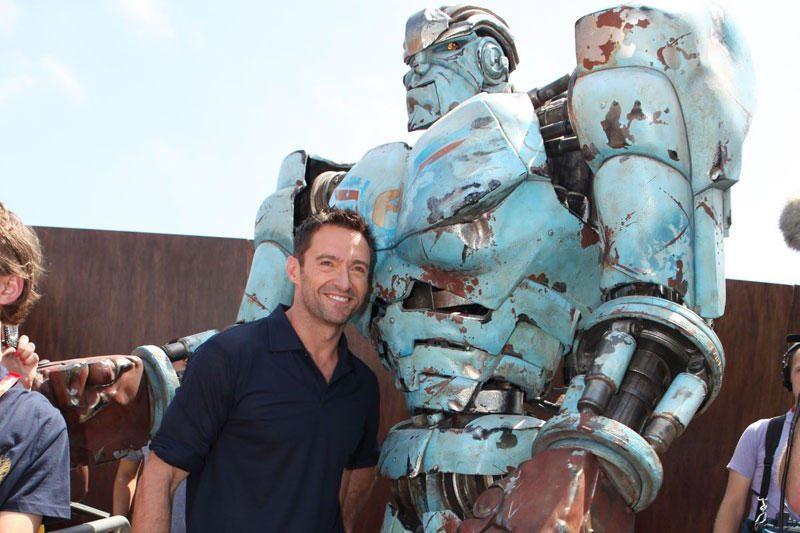 """Filme """"Grūdintas plienas"""" vaidina tikri robotai"""