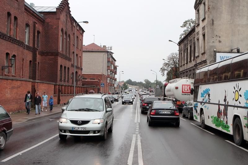 Klaipėdos centre – mašinų spūstys