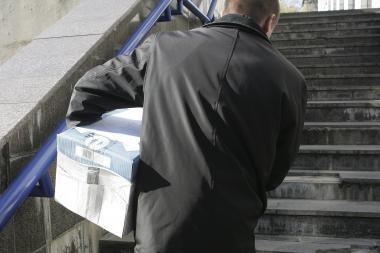 Sustabdyta korupcija įtariamo Alytaus miesto valdininko narystė Darbo partijoje