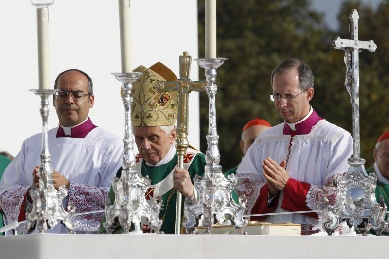 Mišiomis po atviru dangumi baigėsi popiežiaus vizitas Vokietijoje