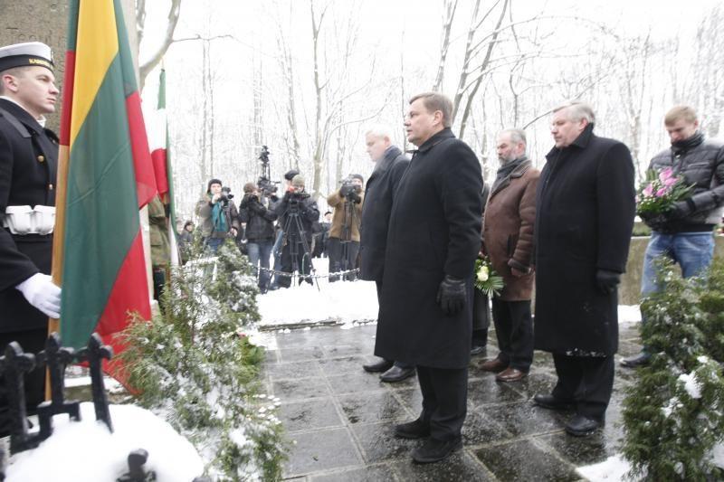 Klaipėdos sukilimo dalyvius pagerbė ir Seimo pirmininkas V. Gedvilas