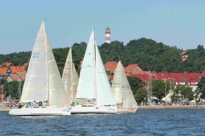 Kuršių marių regata: įpusėjus regatai verda kova dėl pirmųjų vietų