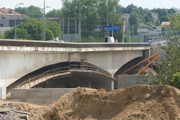 Draudžiamas transporto eismas Lazdynų tiltu (schema)