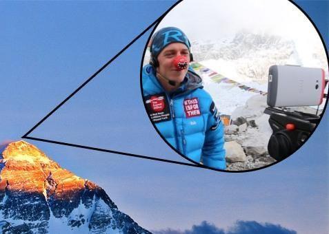 """Su """"HTC One"""" ant Everesto - aukščiausias """"Skype"""" vaizdo skambutis"""