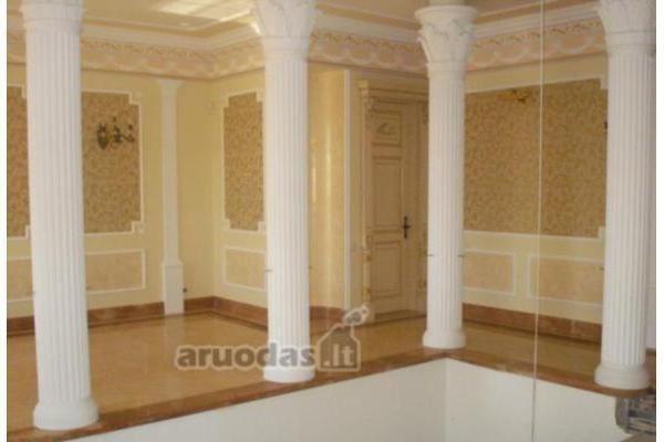 """Rūmai už 14 mln. litų ir """"svajonių butas"""" – vis dar be pirkėjų"""