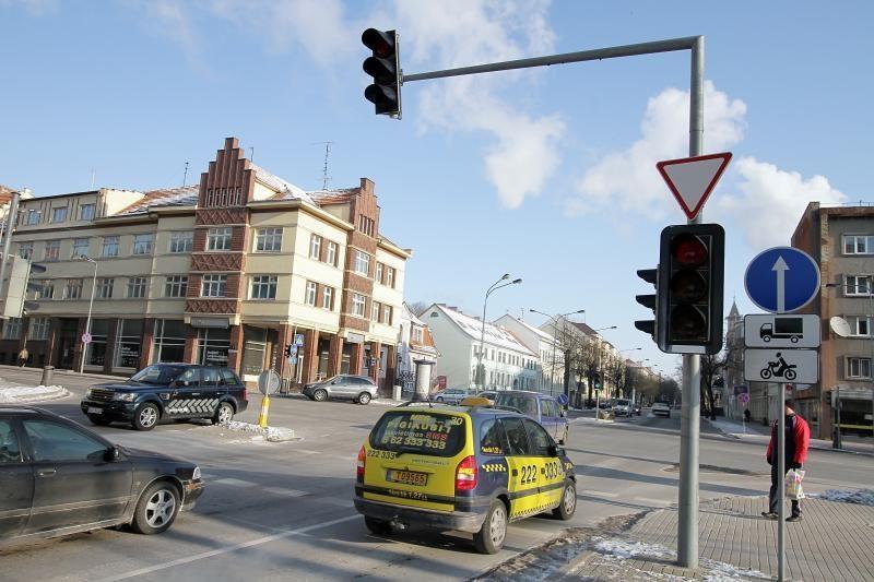 Dėl šalčio Klaipėdoje sutriko šviesoforų darbas