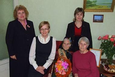 Pasveikinta šimtametė Klaipėdos r. gyventoja
