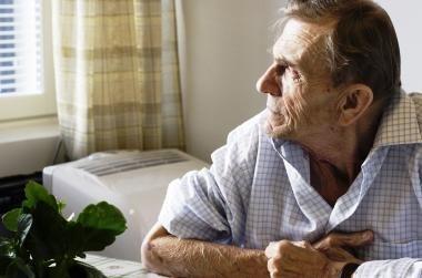 Alzheimerio liga gali būti užkrečiama, rodo preliminarūs tyrimai