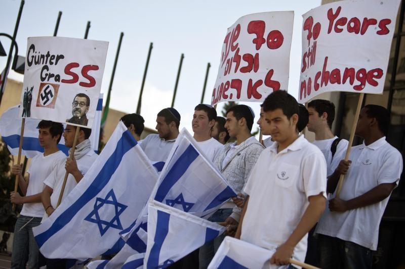 Izraelis Holokaustą paminėjo dviem minutėmis tylos