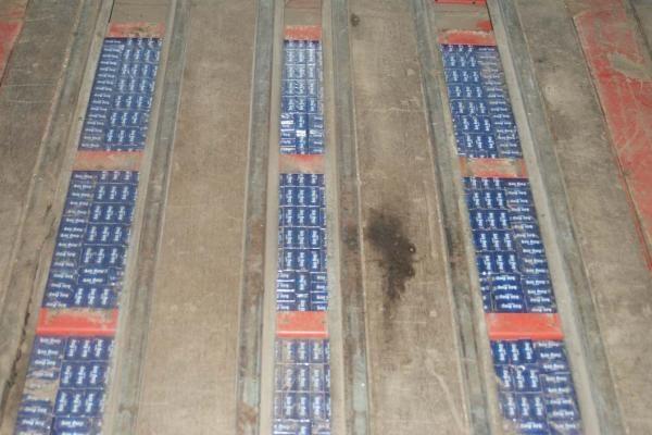 Šiaulių muitininkai sulaikė kontrabandinius rūkalus