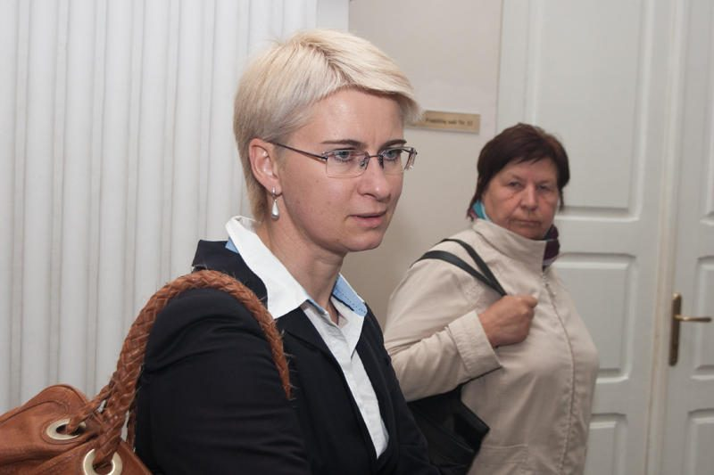 N.Venckienė nusivelka mantiją – prezidentė ją atleido iš pareigų