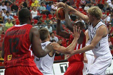 Angolos rinktinė užsitikrino vietą planetos krepšinio pirmenybių aštuntfinalyje