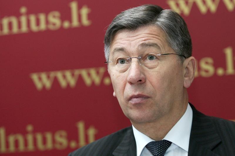 Buvusiam administacijos direktoriui V.Milėnui teks aiškintis VTEK