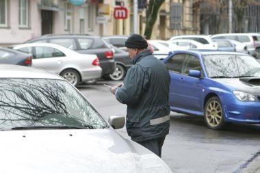 Netvarka automobilių stovėjimo aikštelėse