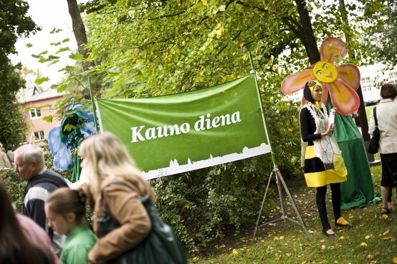 Kauno centre lėlės kvietė į pasakų miestą