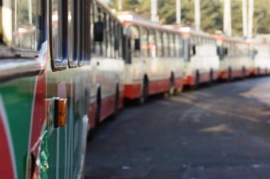 Dėl nutrūkusių troleibusų laidų Vilniuje sutriko eismas