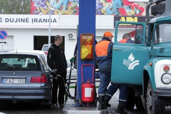 Degalų kainų palaima Naujamiestyje baigėsi