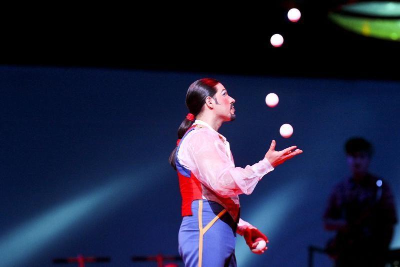 """""""Cirque du Soleil"""" pasirodymą publika įvertino ovacijomis ir šūksniais"""