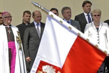 Politinę įtampą dirbtinai eskaluoja atskiri Lenkijos ir Lietuvos politikai, teigia D.Grybauskaitė